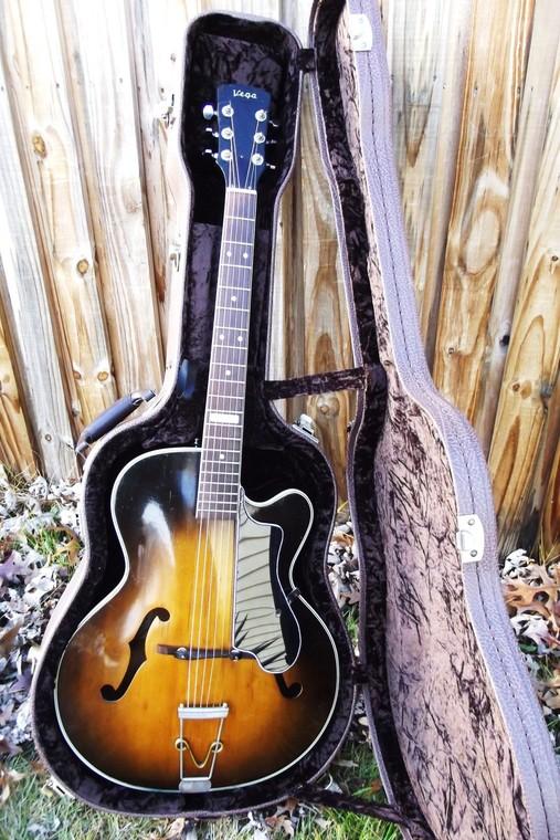 New old guitar 291151533a3c7b4017577201e6094cfec809893