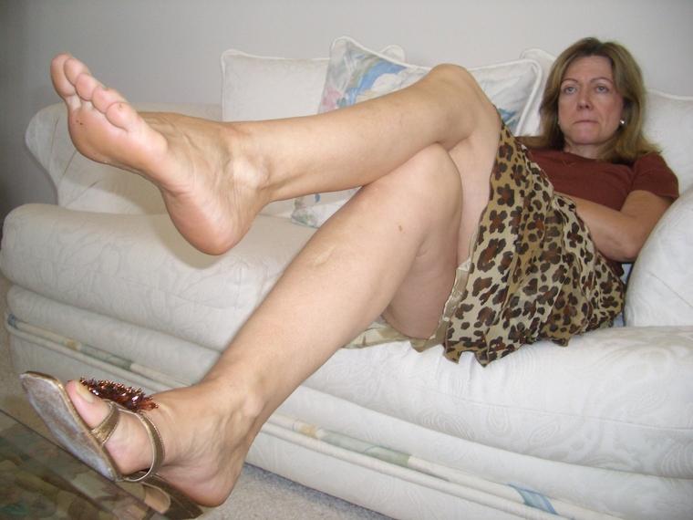 Mature milf feet soles