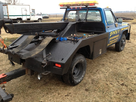 81 k35 4wd wrecker with century 411 tow connections for Used tow motors for sale