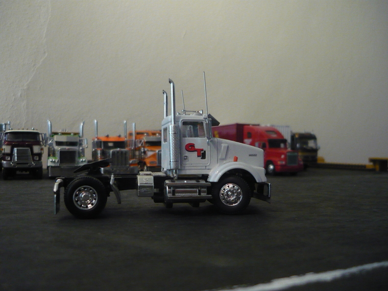 Custom Big Trucks additionally 00fb5b0ef0f1b153f44285382f067961 moreover Detail further 2015 06 02 moreover Dibujos Camiones. on toy semis with dump trailers