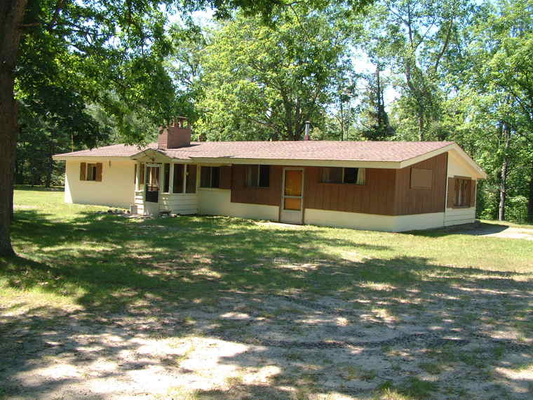 Hunter 39 s paradise 71 acres on muskegon river w cabin for Pole barn cabin