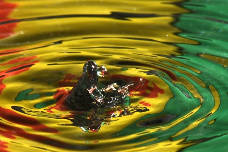 IMAGE: http://images.yuku.com/image/pjpeg/3a1363b740ea5a2393c4b007df4b45ecbc73b422.jpg