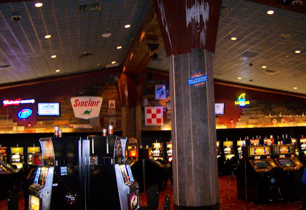 Book the Tunica Roadhouse Hotel & Casino - Situated on a river, this eco-friendly hotel is within 6 mi (10 km) of Tunica National Golf Course, Tunica River Park, and Tunica Queen Riverboat. Tunica Arena and Exposition Center is mi ( km) away/5().